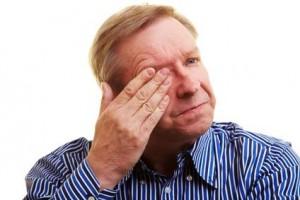 Häufig geht eine Sinusitis auch mit starken Kopfschmerzen einher.